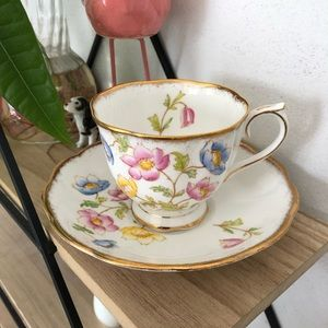 Vintage Royal Albert 'Anemone' teacup &saucer set